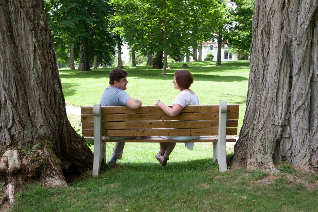 couple on date in chicago park
